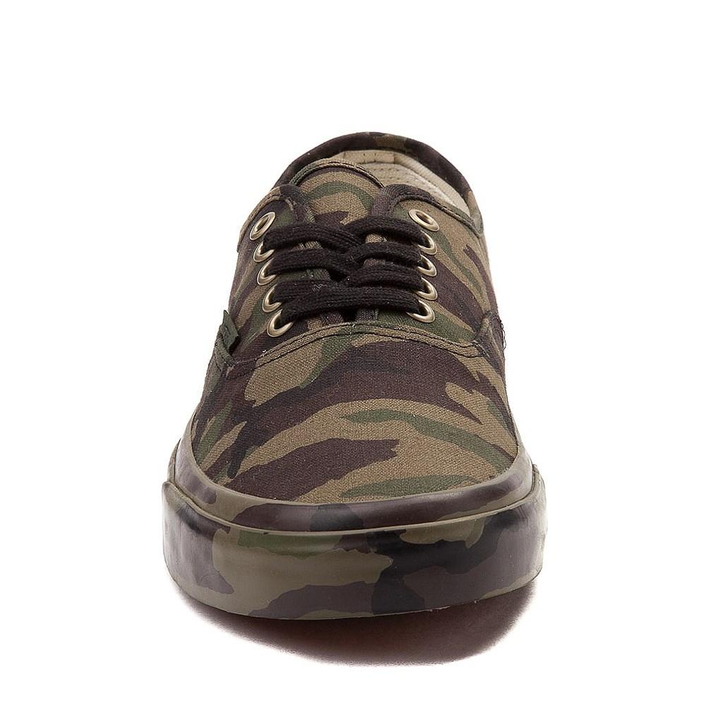 d4468134d32c67 Vans Authentic Skate Shoe