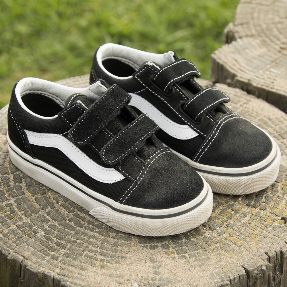 Vans Old Skool V Skate Shoe - Baby   Toddler. Previous. alternate image ALT7 cd16401e6