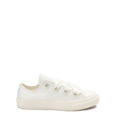 Youth/Tween Converse Chuck Taylor All Star Big Eyelets Lo Sneaker