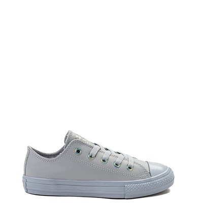 Main view of Youth/Tween Converse Chuck Taylor All Star Lo Leather Sneaker