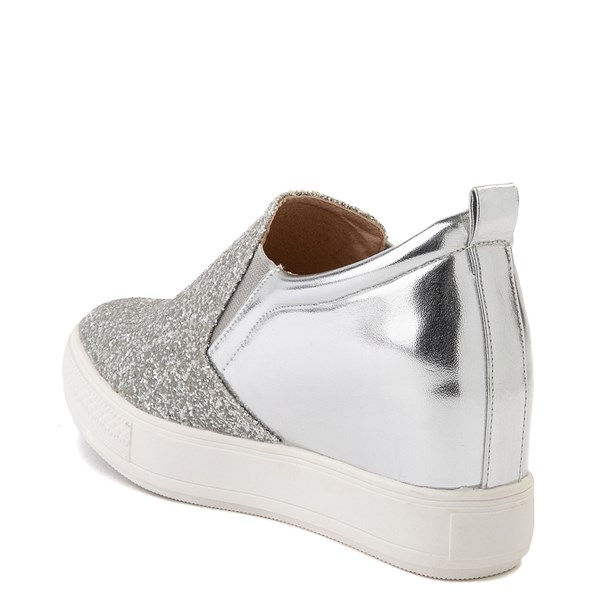 alternate view Womens Wanted Illuming Slip On Casual Shoe - SilverALT2