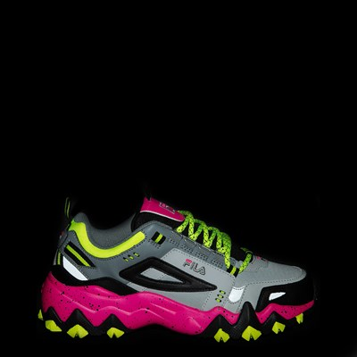 Alternate view of Womens Fila Oakmont TR Athletic Shoe - Gray / Black / Pink