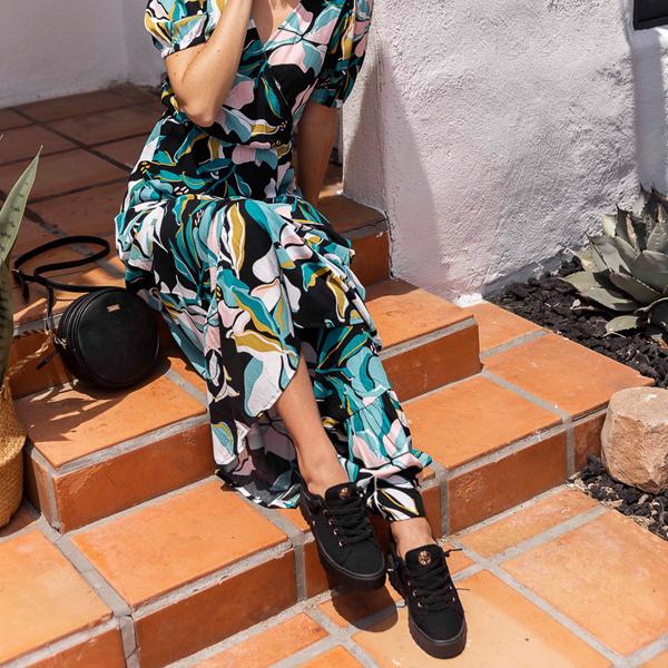 alternate view Womens Roxy Sheilahh Platform Casual Shoe - Black MonochromeALT1B