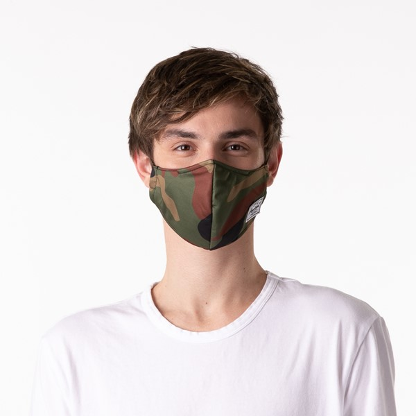 alternate view Herschel Supply Co. Classic Fitted Face Mask - CamoALT1