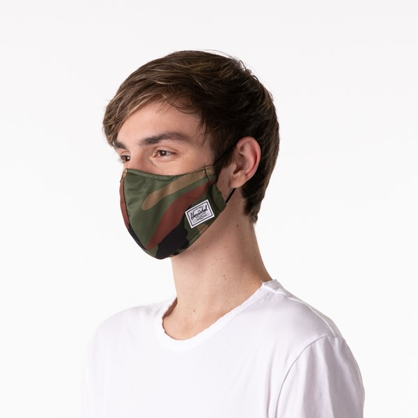 alternate view Herschel Supply Co. Classic Fitted Face Mask - CamoALT3