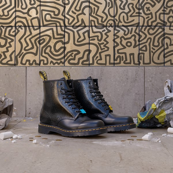 alternate view Dr. Martens x Keith Haring 1460 Boot - BlackALT1B
