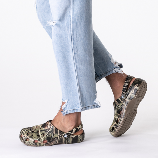 alternate view Crocs Classic Clog - Realtree CamoB-LIFESTYLE1