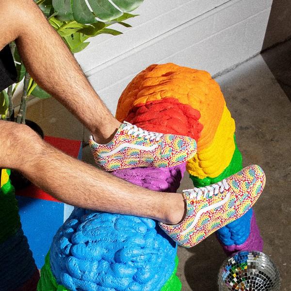 alternate view Vans Old Skool Pride Platform Skate Shoe - RainbowALT1B
