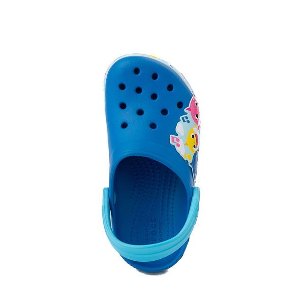 alternate view Crocs Fun Lab Baby Shark Clog - Baby / Toddler / Little Kid - Bright CobaltALT2