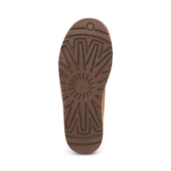 alternate view Mens UGG® Neumel Emboss Casual Shoe - ChestnutALT3